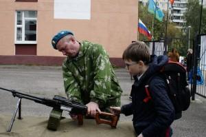 День призывника в районе Ивановское рразборка пулемета